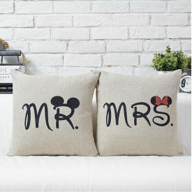 Cushion with filler for Couple